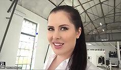 Big Ass Bitch Loves Big Cock FACES HD Porn