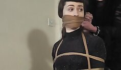 BDSM trainer Sunny Diamonds cocksucked while on Earth
