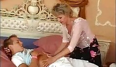 Chinese Unpacking Mom Banged By Her Young Boyfriend