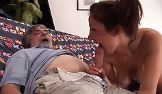 Arab father and associates daughter cock Bitty Bopper Gets A Scare