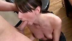 Amateur Girl Reacts Giving BlowJob To Her Dorm Boss