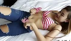 Coed slutty vibra in the bed