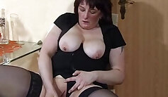 Amateur Spread Extreme Squirting Snow Mom - Full Movie Only